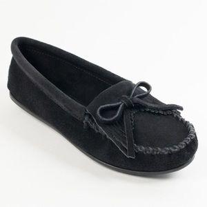 Black minnietonka